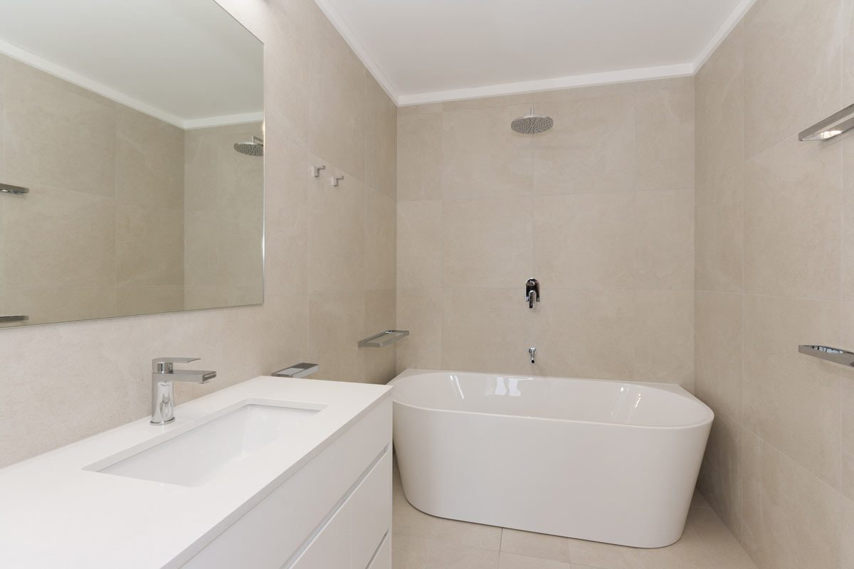Apartment renovation Sydney Manly bathroom after photo renopack