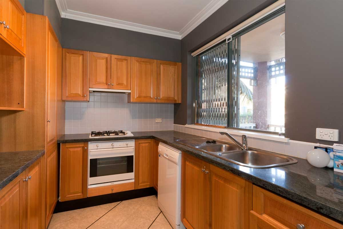 Apartment renovation Sydney Cremorne kitchen before