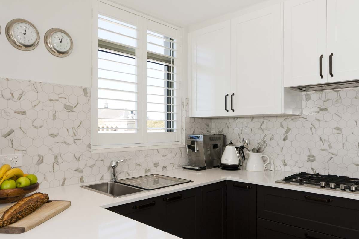 Apartment kitchen renovation at Paddington Sydney by Reno Pack