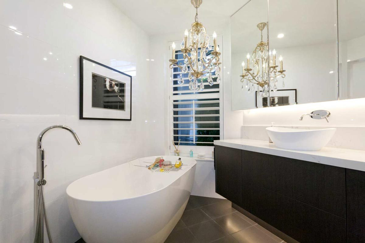 Sydney apartment renovation, bathroom renovation at Mc Mahons Point by Reno Pack