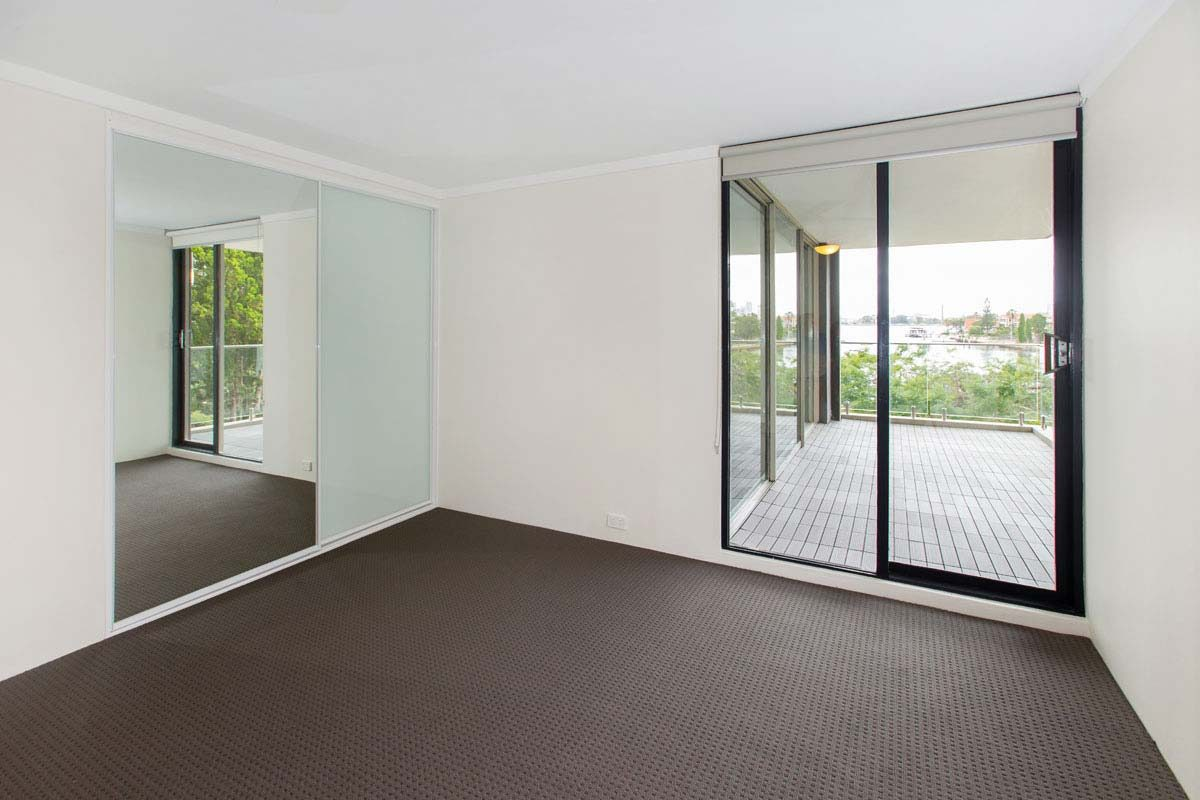 Apartment renovation Sydney, unit renovation Drummoyne bedroom by Reno Pack Pty Ltd
