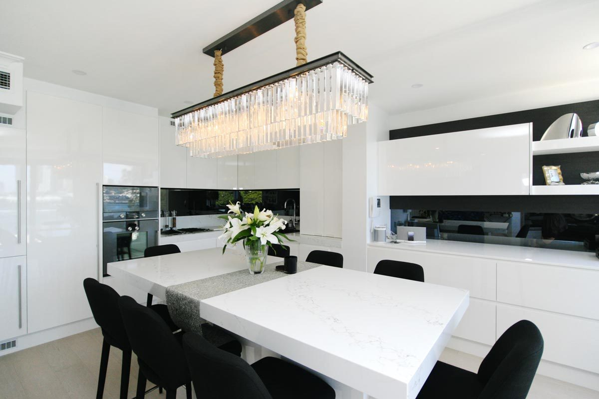 Sydney apartment renovation, kitchen renovation at Mc Mahons Point by Reno Pack