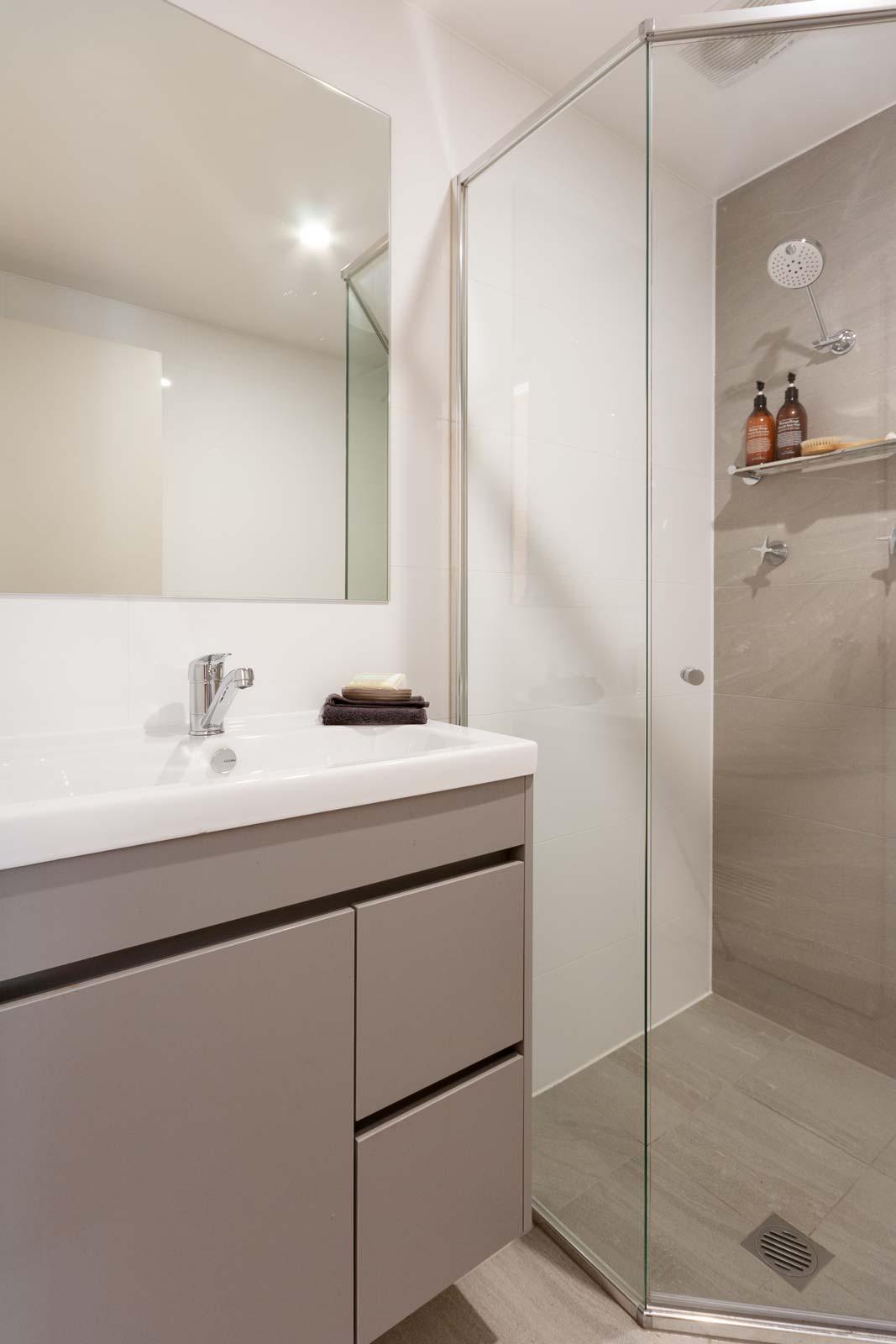 Apartment renovation Sydney, bathroom renovation Elizabeth Bay, Reno Pack
