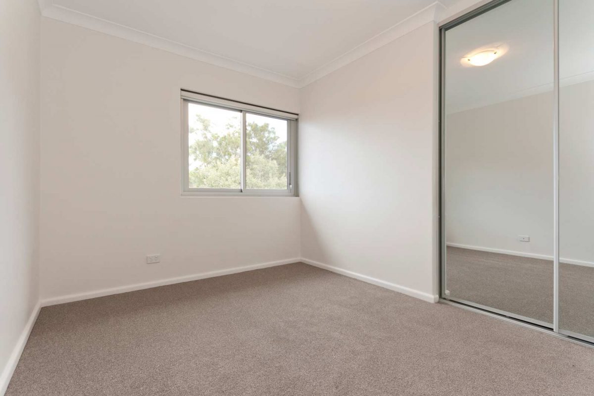 Apartment renovation Sydney Collaroy, bedroom by Reno Pack